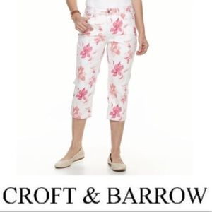 🌹Croft & Barrow White Pink Floral Cropped Jeans